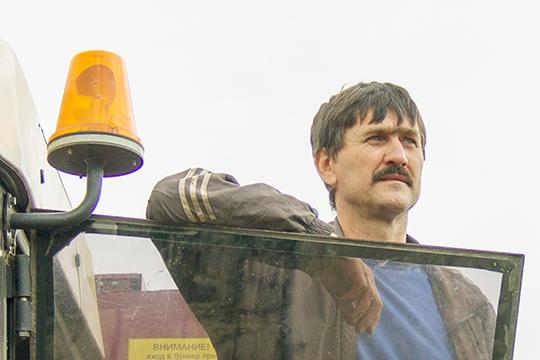 Камбайнер Віктар Плыткевіч паспяхова асвоіў другую прафесію