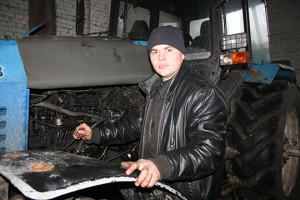 """Механізатар РСУП """"Агра-Ляскавічы"""" Уладзімір Глазуноў"""