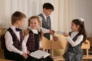 Минобразования: родители в новом учебном году смогут приводить детей в школу с 8 утра