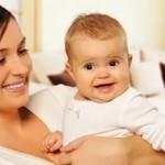 Пособия по уходу за ребенком в возрасте до трех лет будут пересчитываться с 1 февраля и 1 августа