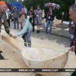 Новый рекорд «Славянского базара» — гигантская ложка презентована в Витебске