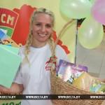 В Беларуси стартовала акция помощи детям из малообеспеченных семей «В школу с добрым сердцем»