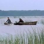 В Житковичском районе браконьеры рыбачили на угнанной лодке