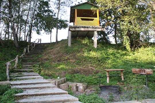 Грамадскае месца адпачынку зроблена рукамі лесаводаў
