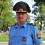 Участковы міліцыянер на Петрыкаўшчыне папярэдзіў крадзёж з магазіна. Злодзей кінуўся на яго з адвёрткай