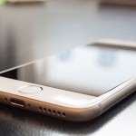 Двое брестчан обманом завладели 140 мобильными телефонами
