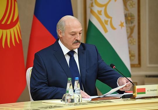 Аляксандр Лукашэнка на пасяджэнні ў вузкім складзе сесіі Савета калектыўнай бяспекі АДКБ