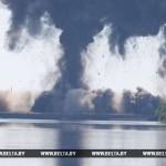 ФОТО: Взорван аварийный пролет моста через Припять
