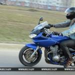 Мотоциклистов в Беларуси с 29 августа будут штрафовать за езду на одном колесе