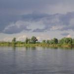 Реку Припять под мостом в Житковичском районе возвращают в привычное русло