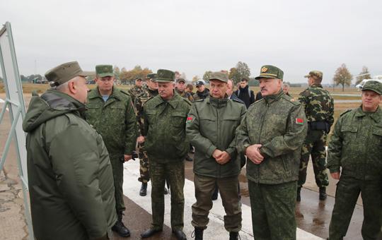 Прэзідэнт аб сітуацыі ў арміі, прэстыжы ваеннай службы і магчымасцях айчыннага ўзбраення